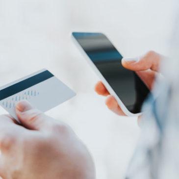 Mobile: pesquisa da RTB House revela aumento no uso dos dispositivos móveis durante as férias