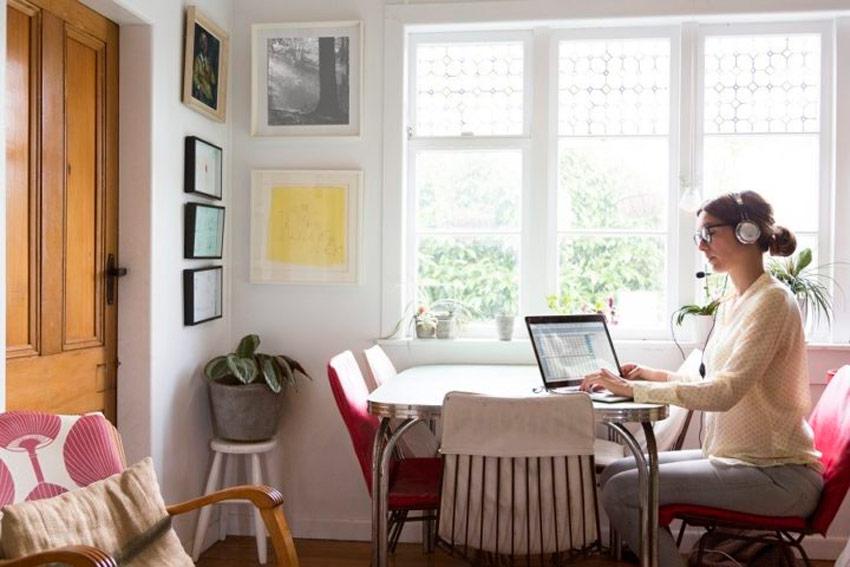 Trabalhar-em-excesso Home office: o que é, como fazer e boas práticas para render em casa